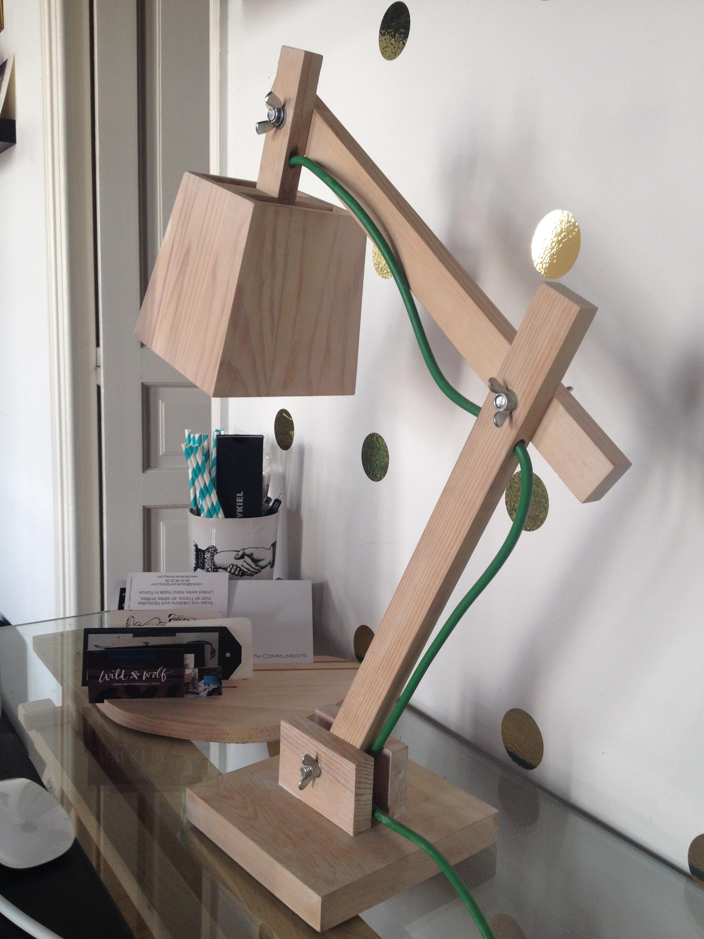 Lampe de bureau chez vivianne for Lampe de bureau bois