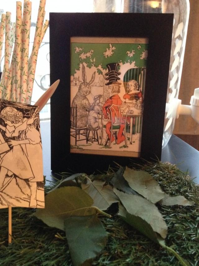 gravure alice wonderland vintage_chapelier fou_lapin_faux gazon_feuillage