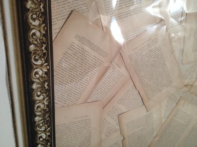 DIY tête de lit_page de livre_book diy_masking tape effet cadre baroque