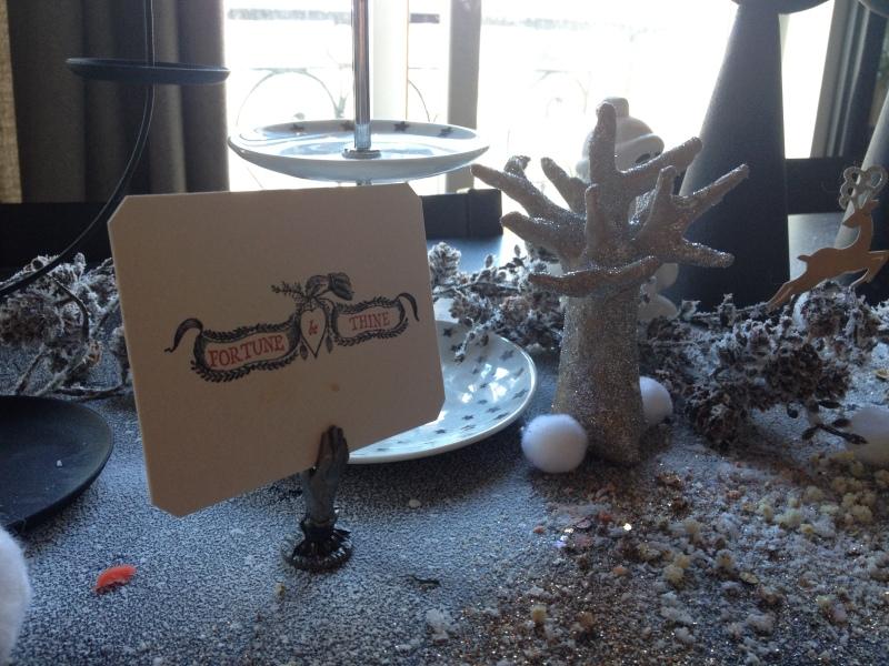 sweet table anniversaire_blanche neige snow white_marque place Austin Press main vintage fonte carte gravure ancienne fortune be thine_déco hivers féérie conte de fée glacé_arbre glitter argent_DIY récup